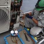 空調機の移設工事。