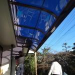 テラス屋根の設置工事。