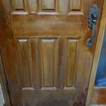 無垢の玄関ドア塗装。