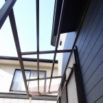 ポリカの屋根。