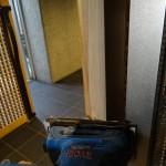 木製扉の補修塗装。