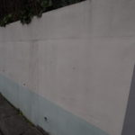 塀の塗装工事。